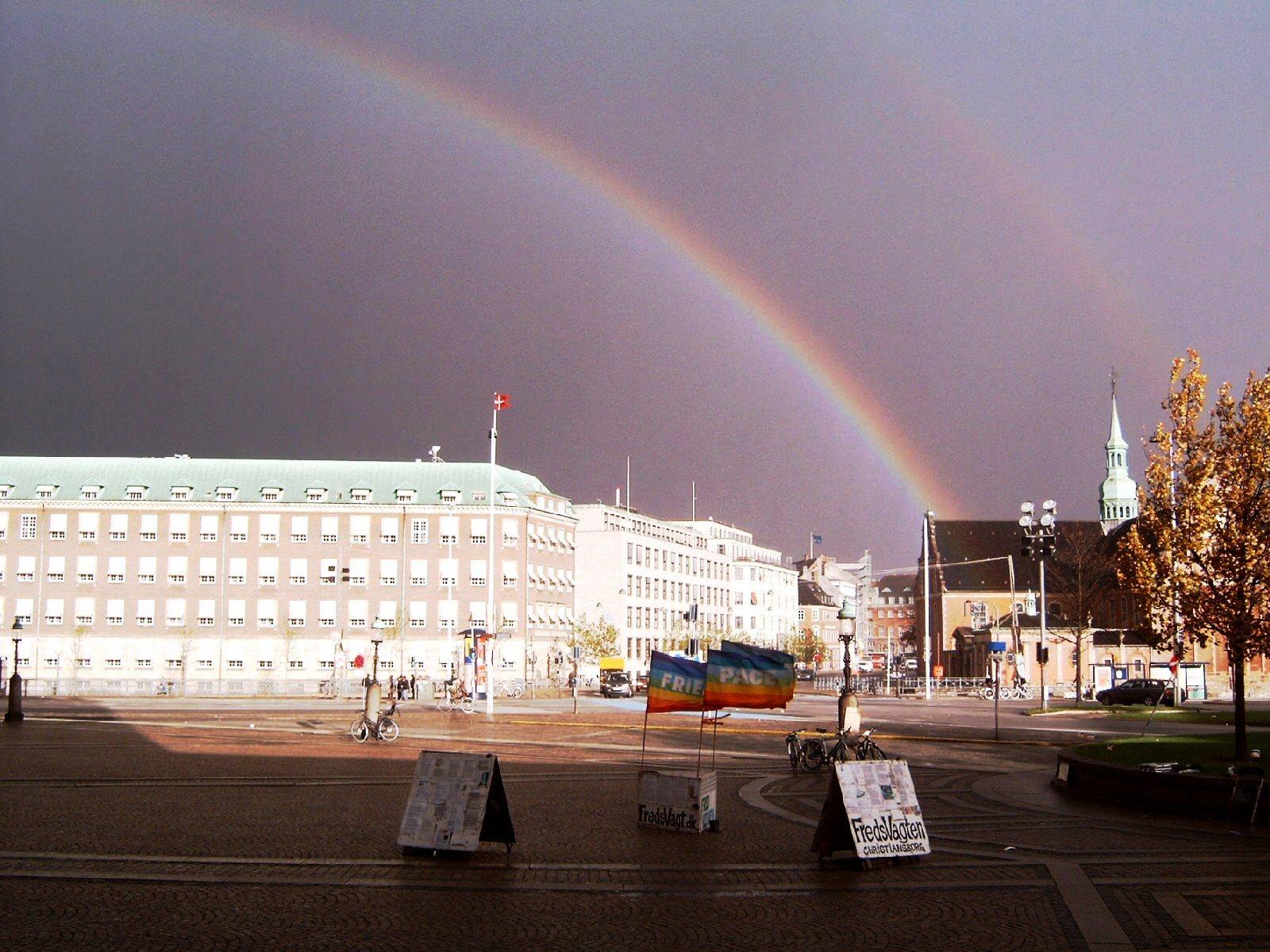 regnbue over FredsVagten